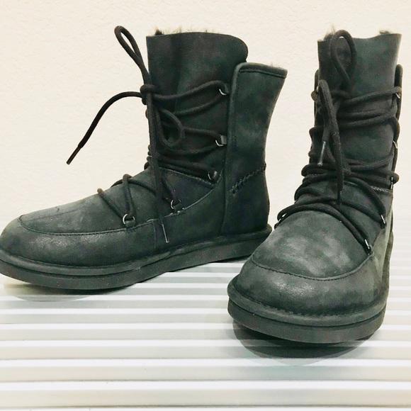 342e835c7d8 UGG LODGE Black Sheepskin Suede Short Boots NIB NWT